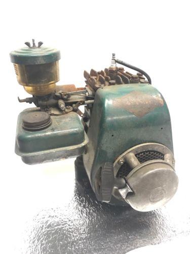 Antique Briggs and Stratton Model 6S Motor, Gas Engine. Go kart Mini Bike