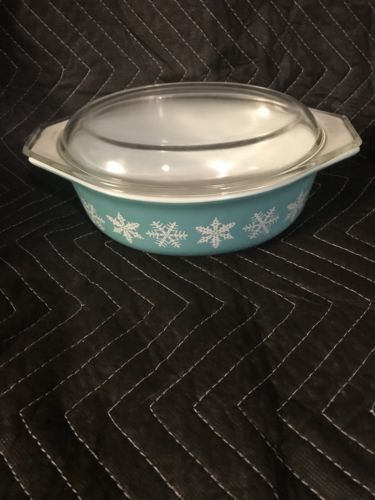 VINTAGE PYREX #043 SNOWFLAKE TURQUOISE 1 1/2 Quart CASSEROLE DISH WITH LID
