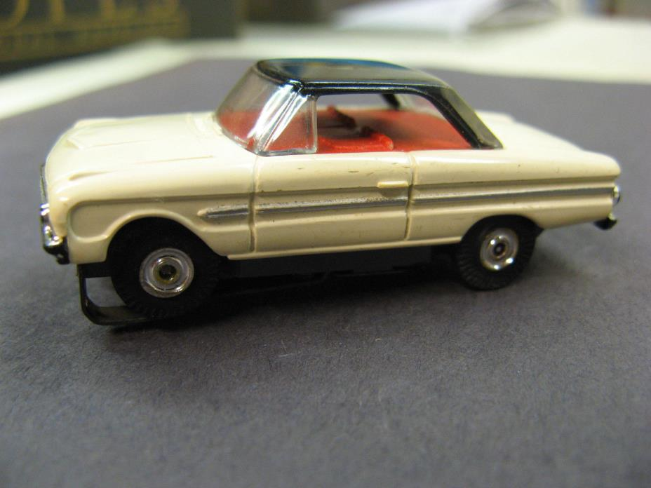 Aurora Vintage HO 1963 – 1969 White Ford Falcon, Thunderjet 500
