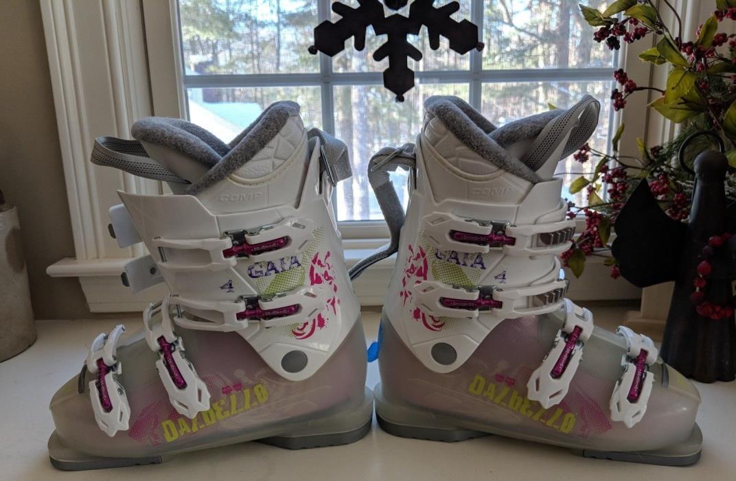 Dalbello Ski Boots- Gaia 4 Girls (23.5) size 6.5 Great Condition