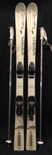 ROSSIGNOL PASSION SKIS SIZE 140 CM WITH ROSSIGNOL 100 BINDINGS and HARMONY POLES