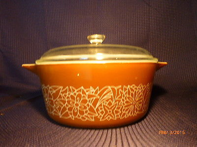 Vintage Pyrex Woodland Casserole Dish with Glass Lid 2.5 Liter GUC Bakeware