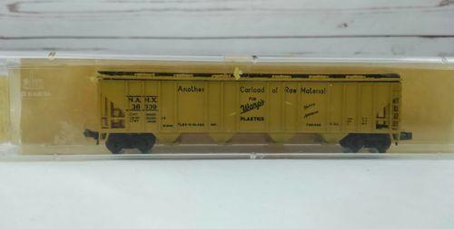 N 1/160 Wards Plastics Cov. Hop. Car 4446 D Yellow AHM Raw Material Train Car