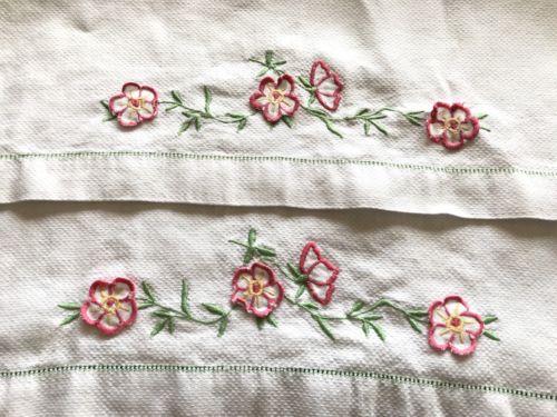 VINTAGE PAIR WHITE LINEN HUCKABACK DAMASK HAND TOWELS - Raised Flower Pattern