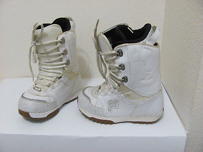 WOMENS FORUM DESTROYER WHITE SNOWBOARD BOOTS SZ 8