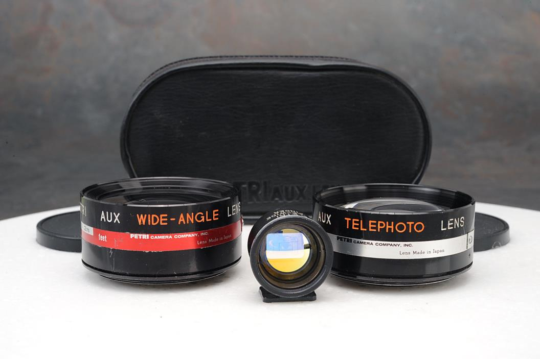 - Petri Auxiliary Lens Set for Rangefinder Cameras, Wide, Tele, Finder