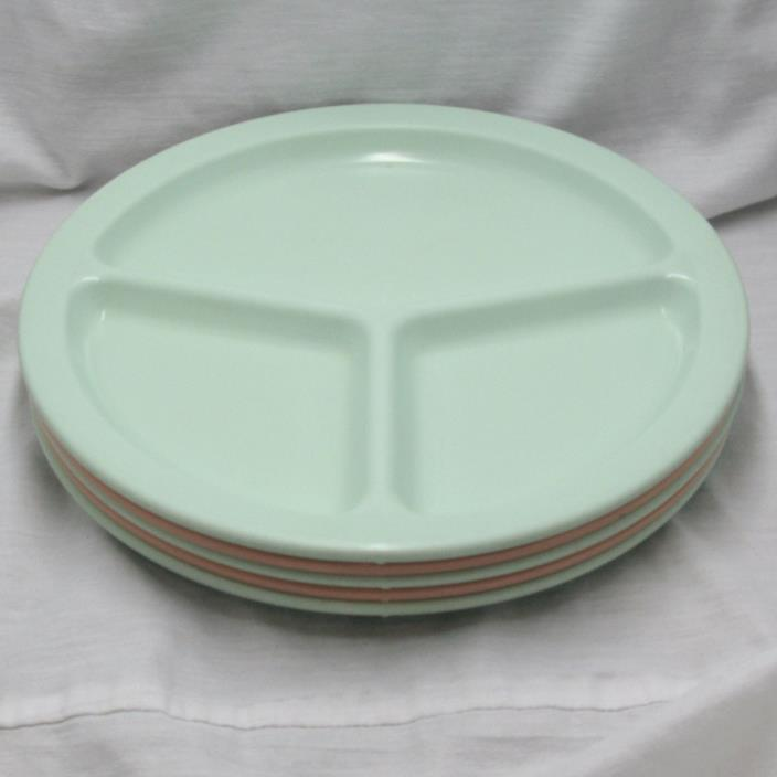 Five (5) Plastics Manufacturing Texas Ware Ten Inch Three Section Plates #136