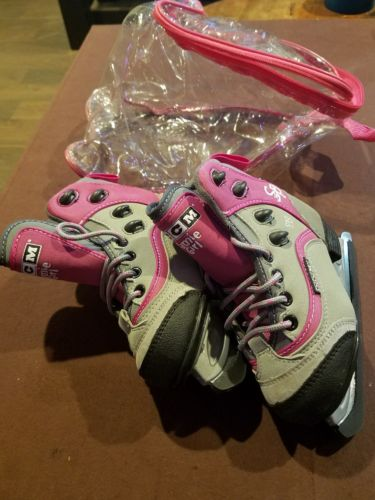 Girl's Ice Skates CCM Jamie Girl Sz 9J (New, never worn)