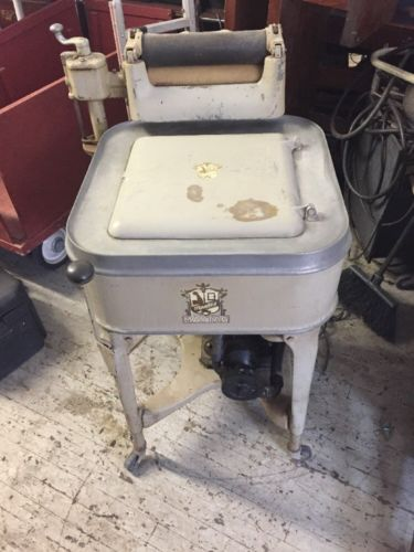 Antique The Maytag Gyratayor Washer Washing Machine Electric Original Condition.