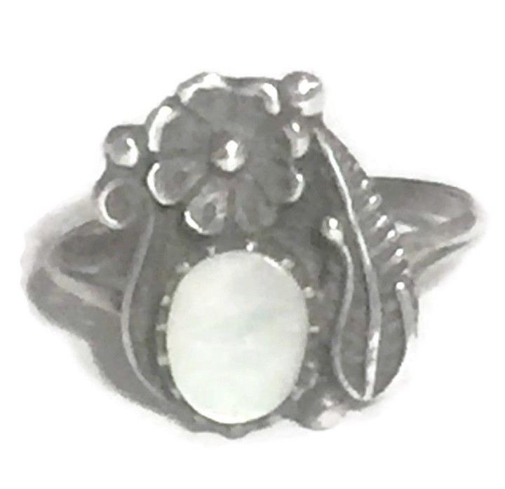 Vintage Sterling Silver Southwest Tribal MOP Squash Blossom Ring Size 7.75 2.4g