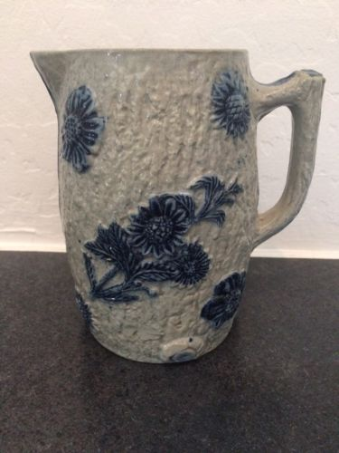 SALTGLAZE WHITES UTICA NY  BLUE FLOWERS GRAY STONEWARE POTTERY PITCHER 6 3/4