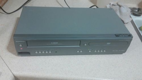 Magnavox DVD Player VHS VCR MWD2206 Player and Recorder Combo No Remote