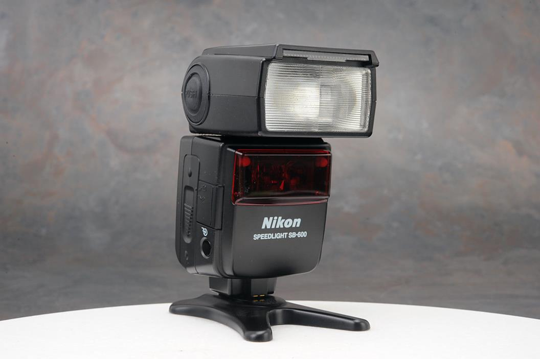 - Nikon Speedlight SB-600 Shoe Mount Flash for  Nikon
