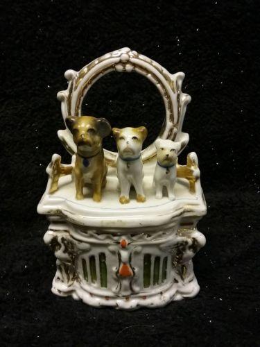 Staffordshire trinket box, 3 dogs on dresser