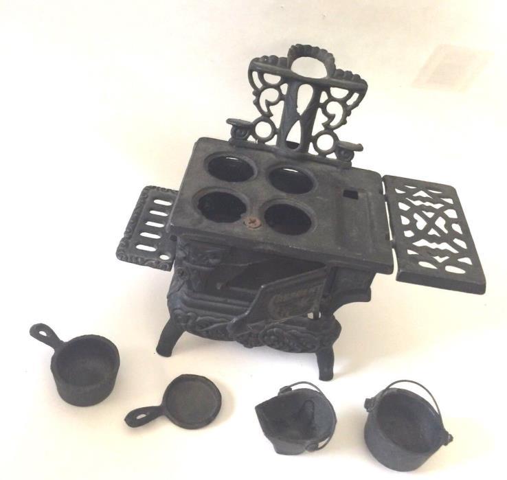 Antique CRESCENT Cast Iron STOVE Toy SALESMAN SAMPLE Miniature w/Accessories