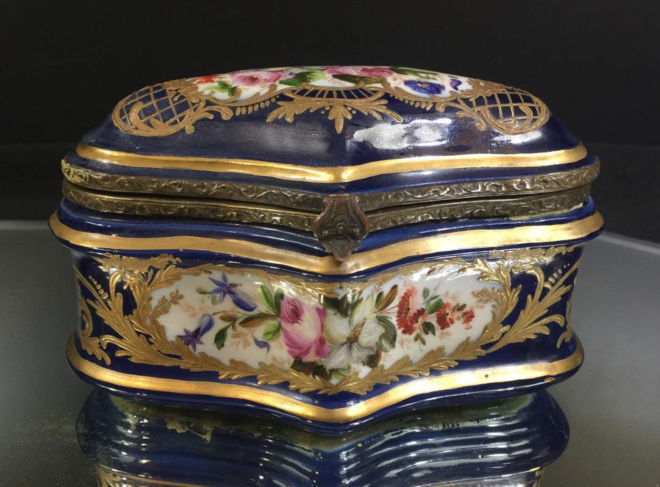 Sitzendorf Jewelry or Trinket Box--Cobalt w/ Floral / Gold--Very Nice-BUY IT NOW