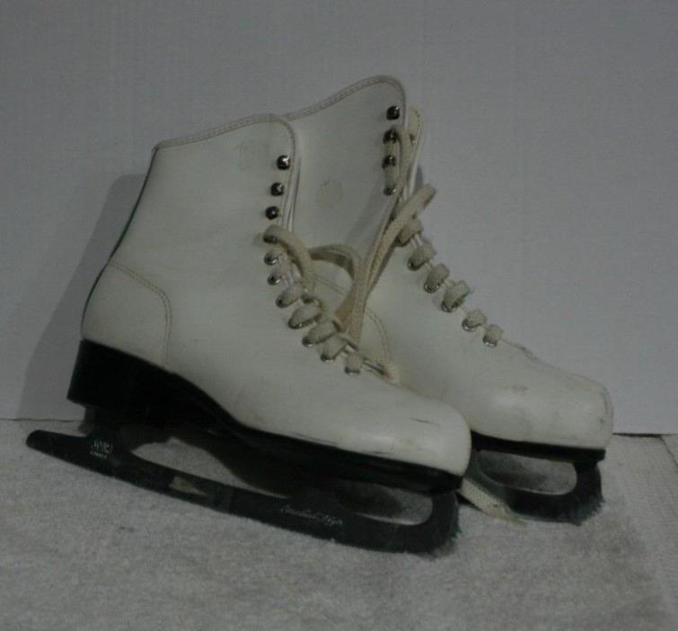 Vtg Canadian Flyer Womens White Ice Figures Skates SZ 8 Blades