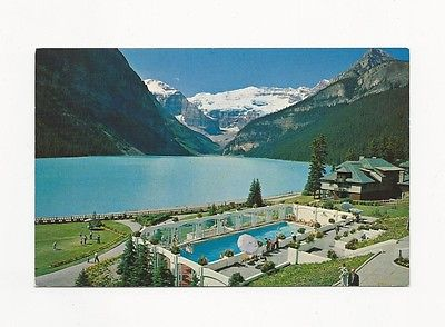 NEAT UNUSED POSTCARD FROM CANADA CHATEAU LAKE LOUISE CANADIAN ROCKIES