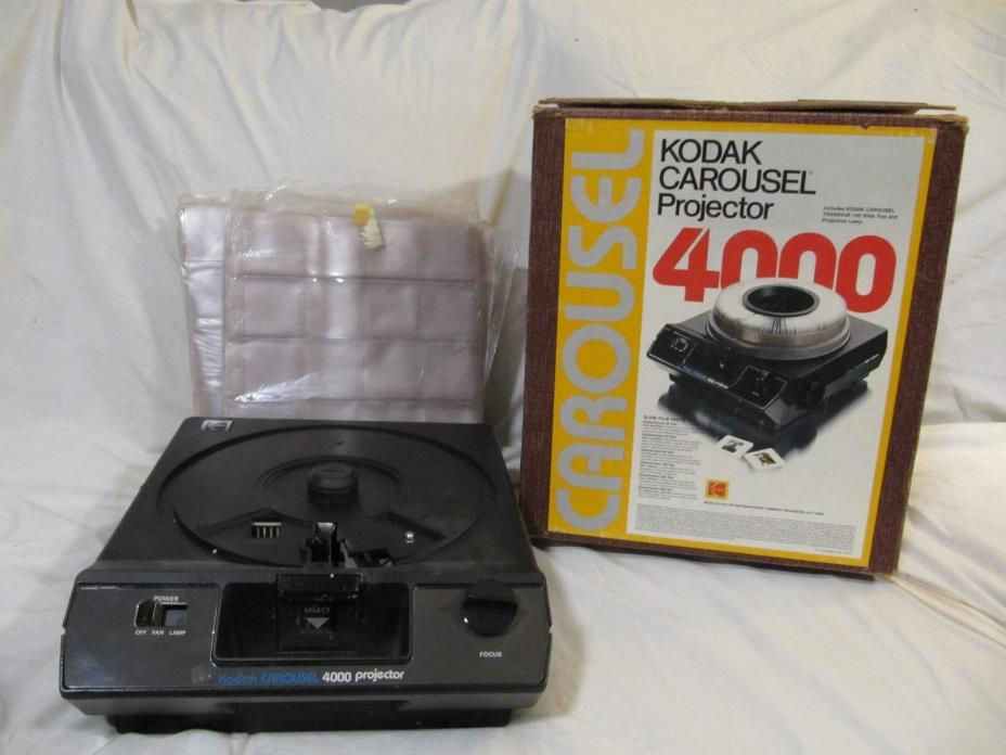 KODAK CAROUSEL PROJECTOR 4000 IN ORIGINAL BOX (194)