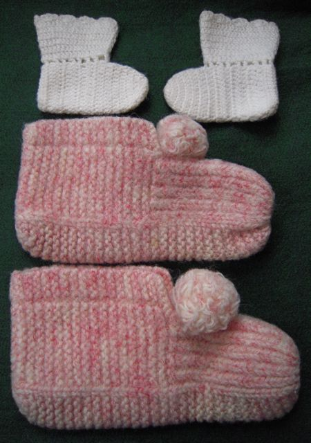 CHILD'S HANDKNIT SLIPPERS IN PINK RED WHITE W/ BONUS BABY OR DOLL BOOTIES