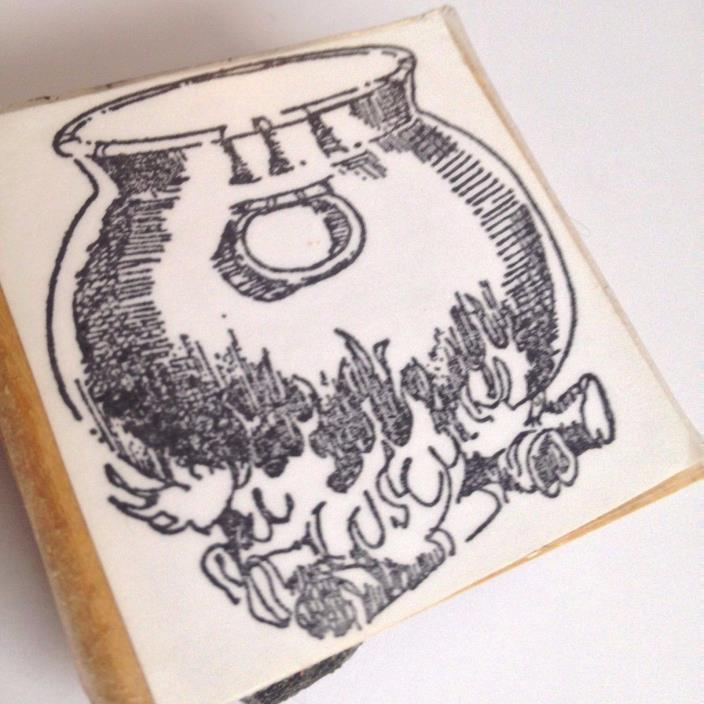 CAULDRON  Antique POT  METAL Kettle Open FIRE WOOD Flames HALLOWEEN Rubber Stamp