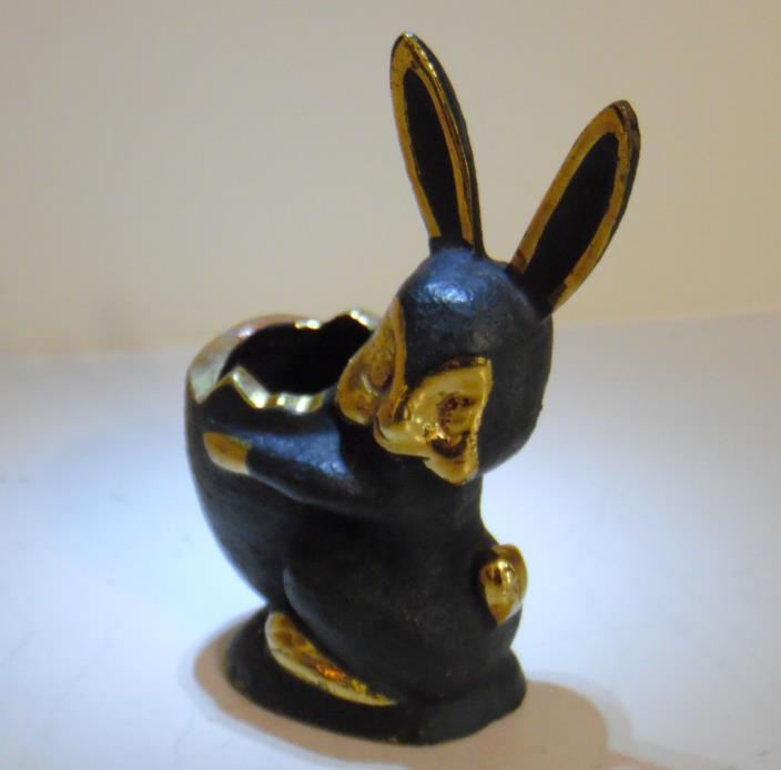 BOSSE/ TAXCO STYLE BLACK & GOLD BRASS BUNNY RABBIT WITH EGG FIGURINE PAPER WT.