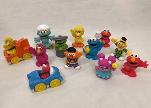 HUGE Lot Of Sesame Street Hoopers Neighborhood Store Figures Elmo Bert Earnie..