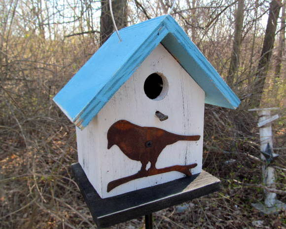 FREE SHIPPING Primitive Hand Crafted Country Birdhouse Rusty Bird Cut Out