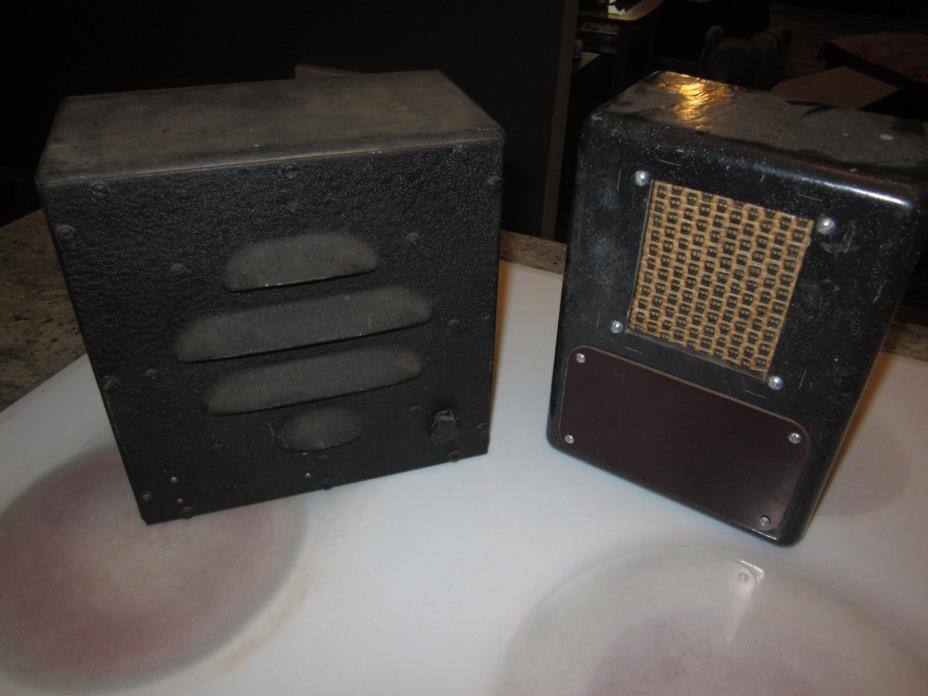 2 vintage ham radio speakers