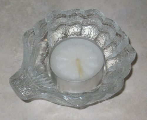 Nice Textured Glass Sea Shell Tea Light Candle Holder w/Tea Light-Mint Condition