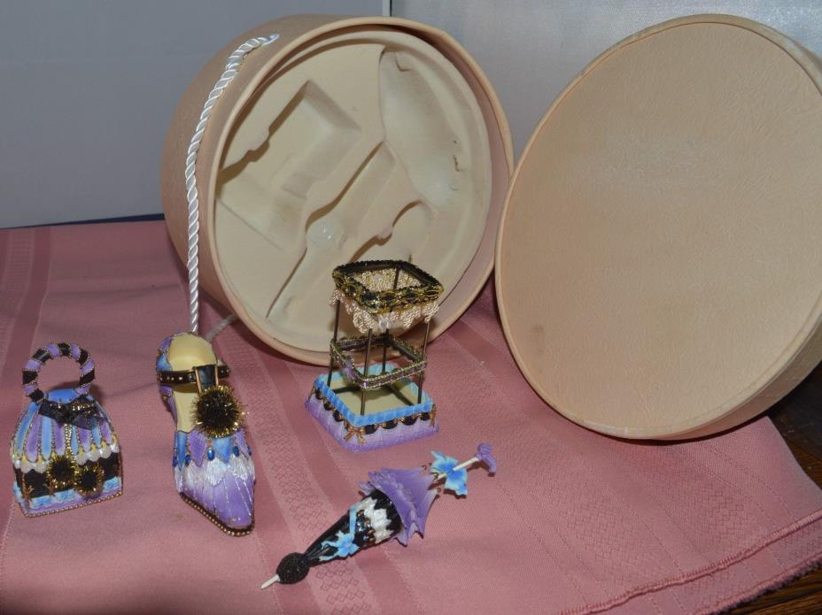 Ceramic Decoration Set in Round Box Shoe, Umbrella, Purse & Square Stand Unusual