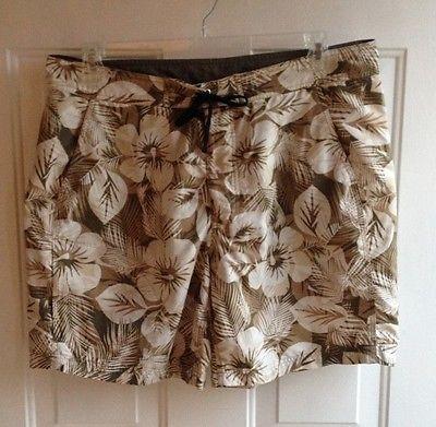L.L. Bean Men's Tan Hibiscus Print Board Shorts mens sz 38