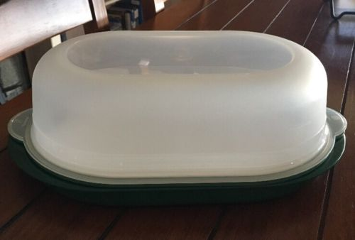 Tupperware Green White Cutting Board Serving Tray Cheese Meat Keeper Bx62