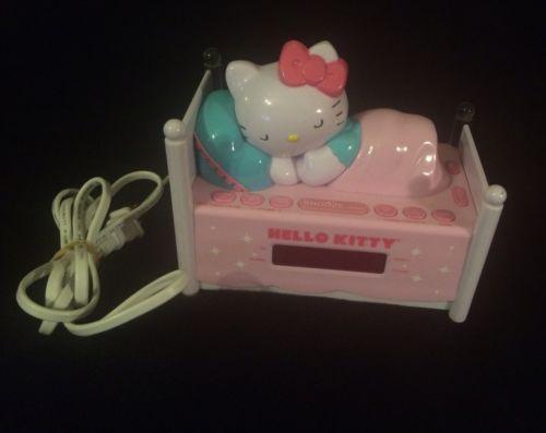 Hello Kitty Sleeping Kitty AM FM Radio Snooze Button LED Alarm Clock KT2052  EUC
