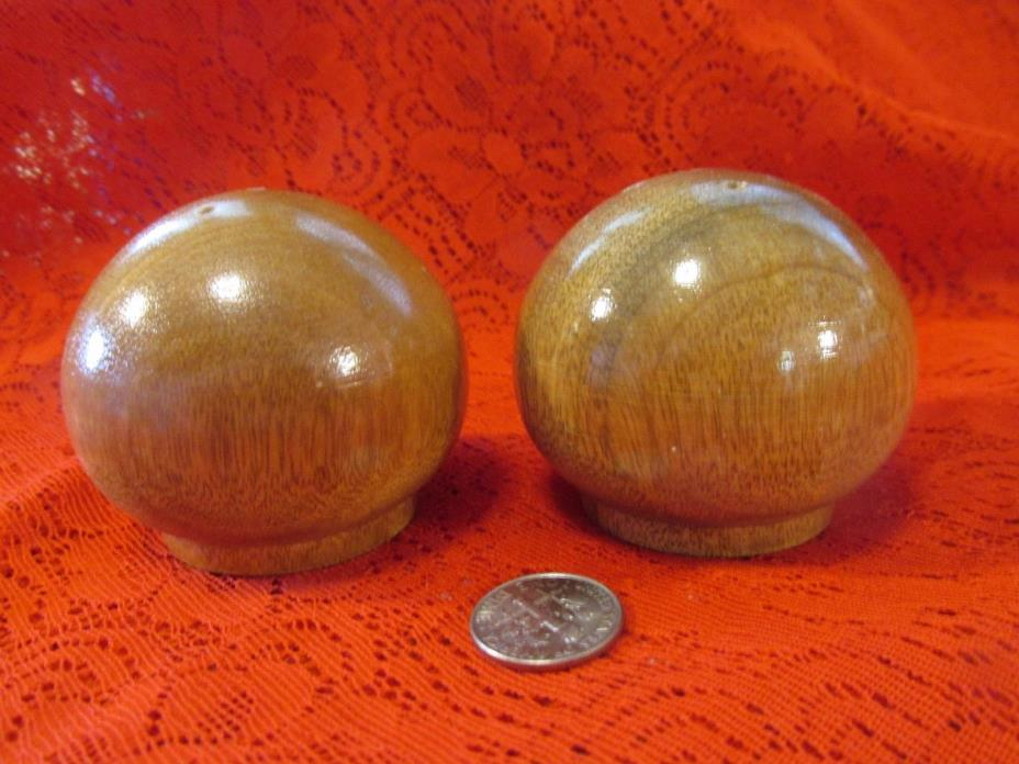 Vintage Round Wooden Salt & Pepper Shakers/Cork Stoppers/2