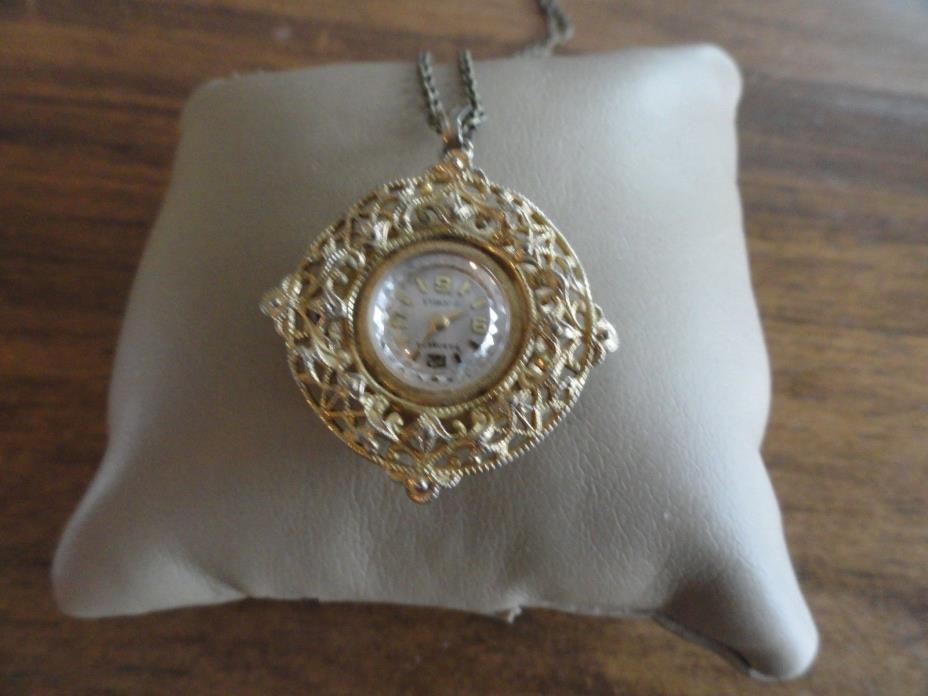 Baroness 17 Jewels Vintage Wind Up Necklace Pendant Watch