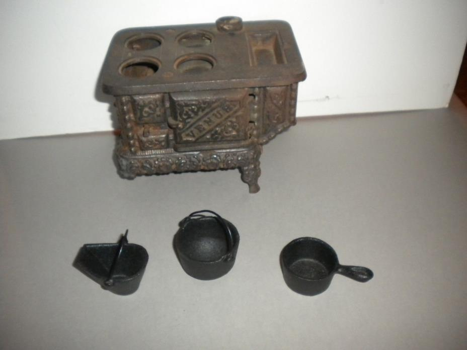 Antique Venus Cast Iron Salesman Sample stove Toy  with 3 cast iron accessories
