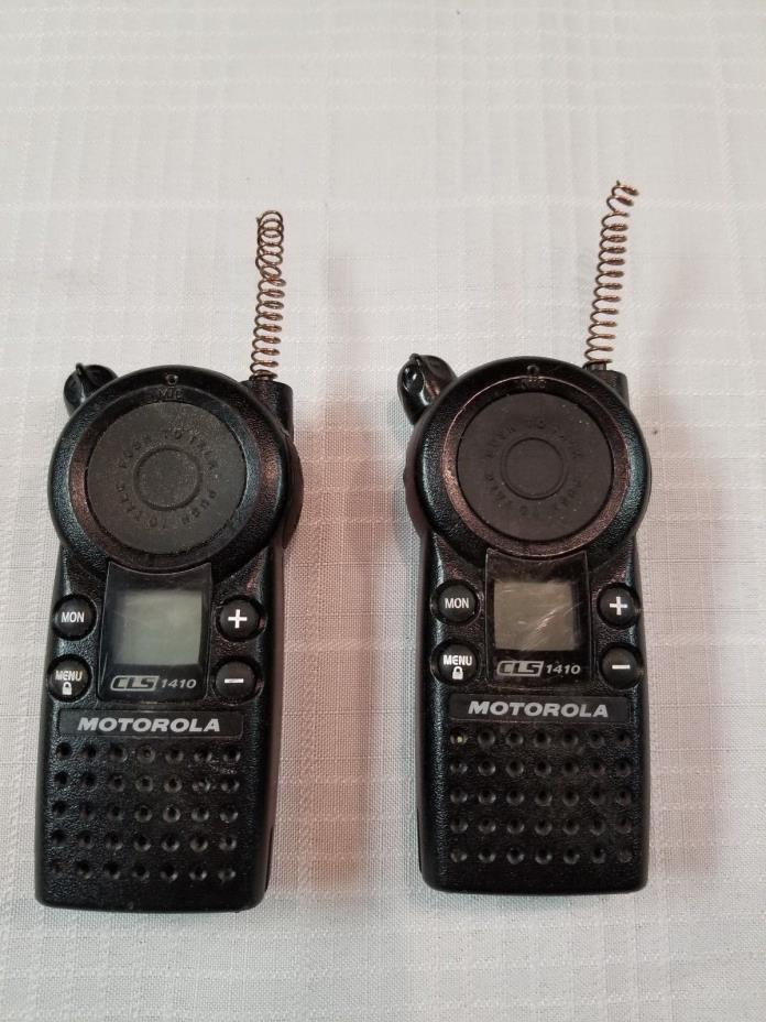 2x Two Motorola CLS 1410 Walkie Talkie Two-Way 4 Channel Radios