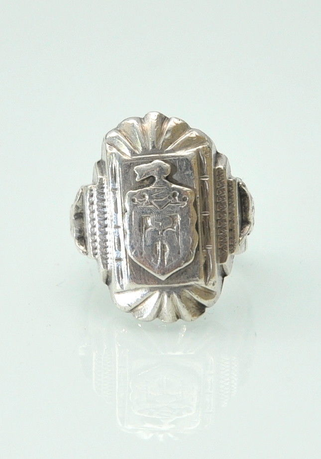 Vintage Sterling Silver Biker MC Souvenir Ring Made in Mexico Coat of Arms