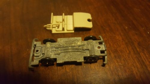 Aurora Cigar box car chassis only 6115 Chevrolet Chevy Camaro