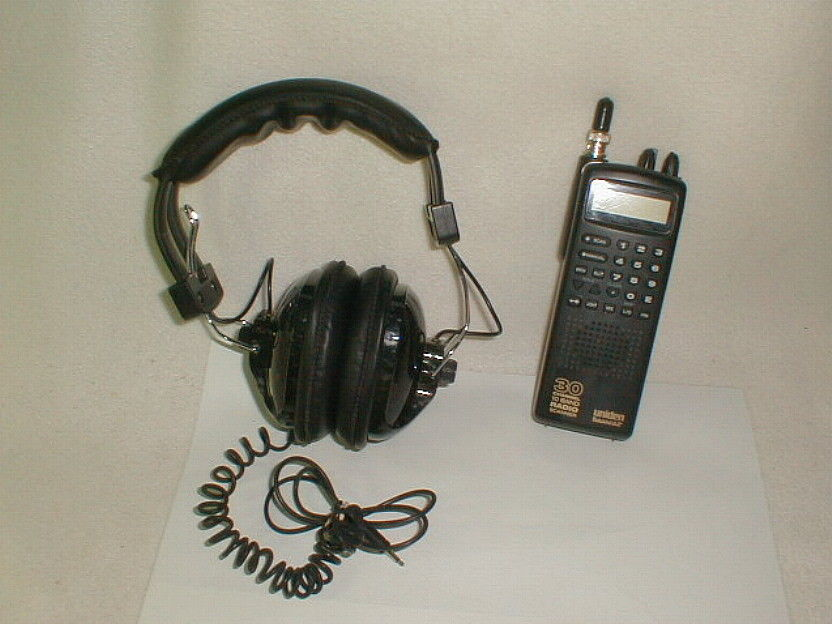 Bearcat Uniden scanner bc60xlt-1 race ready 30 ch w headphones VG cond tested
