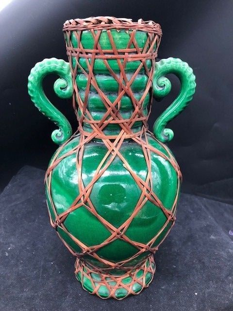 10 inch JAPANESE AWAJI WARE SOLID GREEN VASE WITH BASKET WEAVE OVERLAY