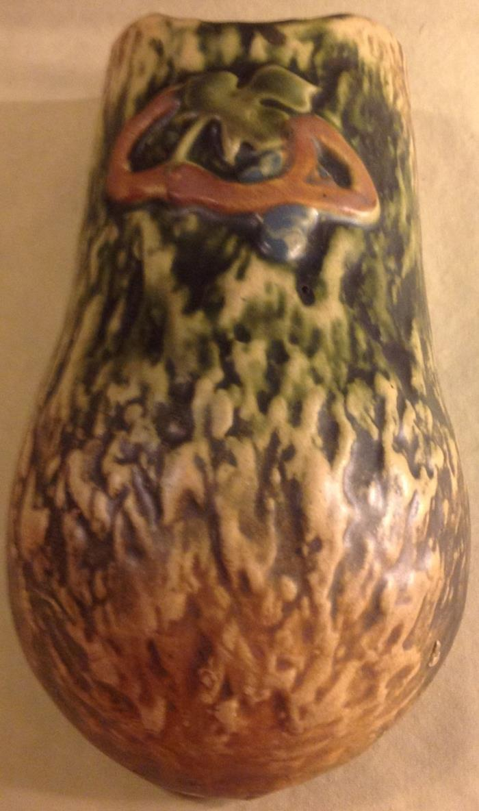 BEAUTIFUL ROSEVILLE POTTERY IMPERIAL I WALL POCKET 1223-10