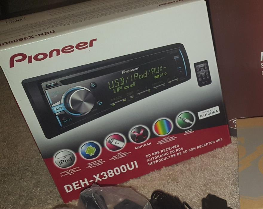 Pioneer CD Player. New in box. Usb, iPod, smartphone compatible. Includes remote