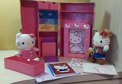 2002 Rare HTF Sanrio Hello Kitty Suitcase Activity Trunk Metal Latch and Handle