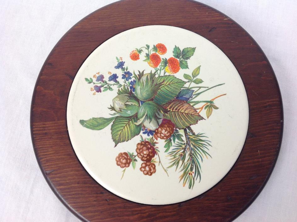 Vintage Wooden Hot Plate W/Decorative Ceramic Tile Can be Hung on Wall (J)