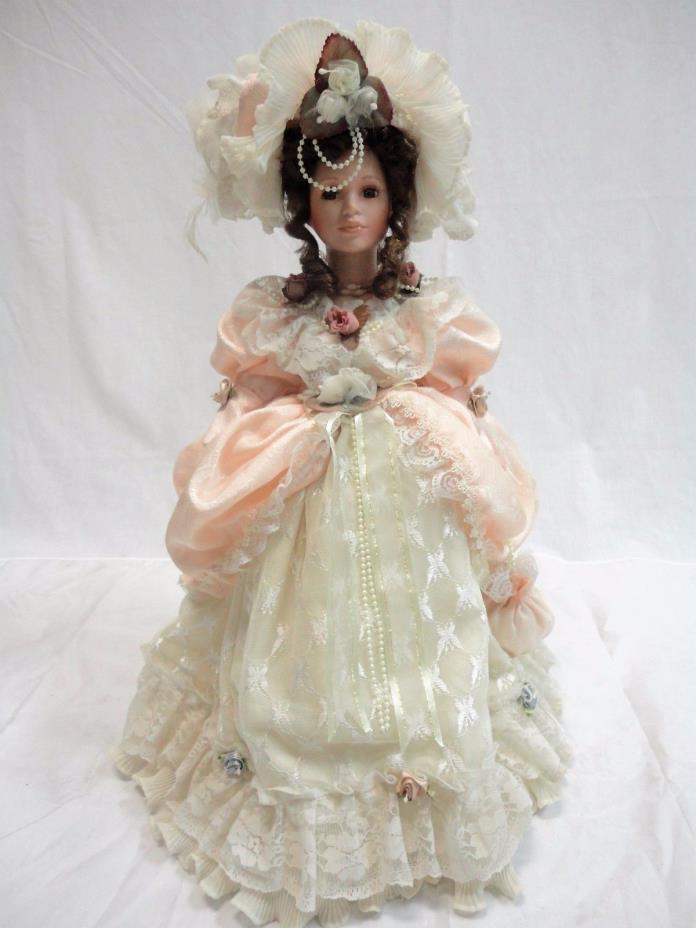 Ducks House Heirloom Dolls 0090/15000 Porcelain Doll