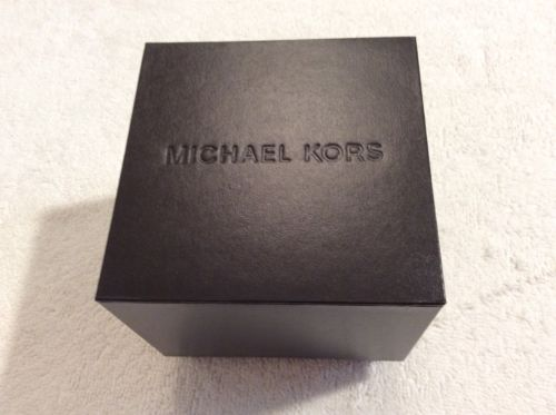 MICHAEL KORS Brown Lined Box. 3.5