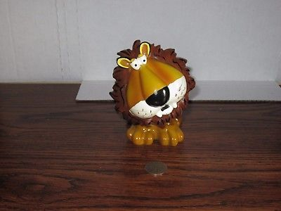 Decorative piggy bank lion figurine bobble head