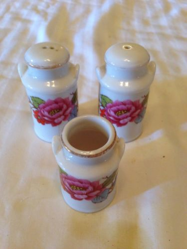 CERAMIC MILK CAN SALT AND PEPPER SHAKERS WITH TOOTHPICK HOLDER